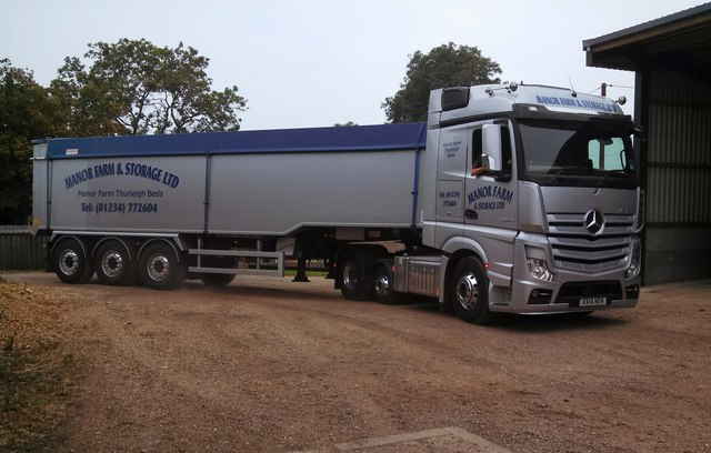 Grain lorry