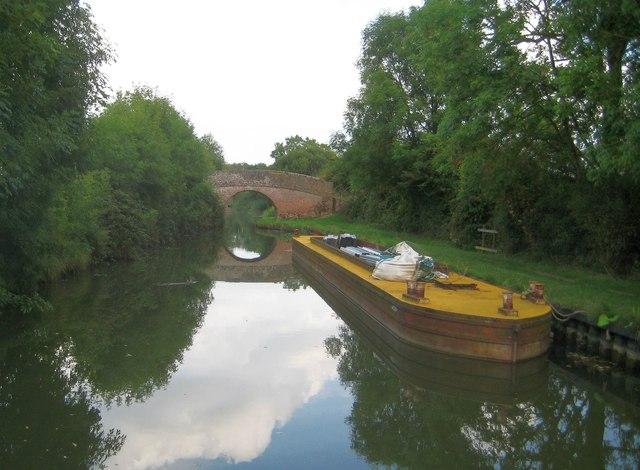 Grand Union Canal: Aylesbury Arm: Bridge No 11