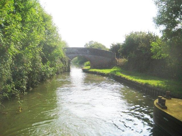 Grand Union Canal: Aylesbury Arm: Bridge No 12