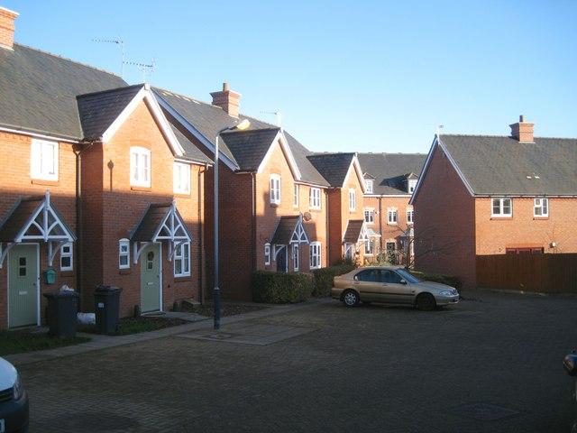 Cottage-style houses, Emscote Lawn estate off Wharf Street, Warwick