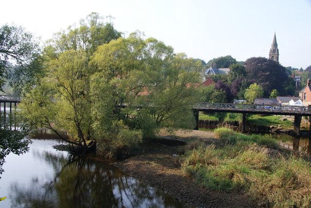 The River Esk at Ruswarp