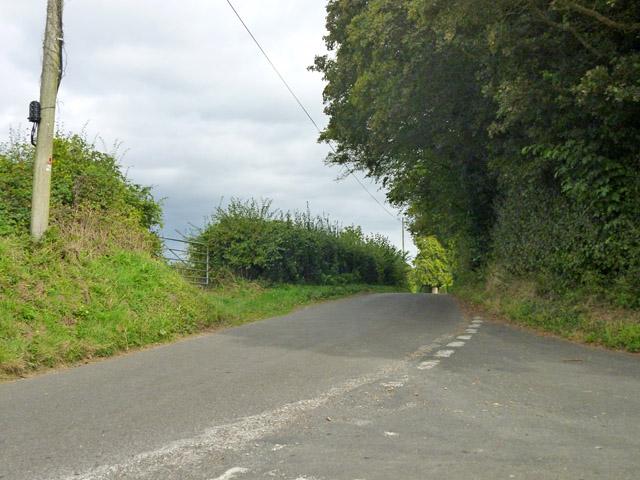 Hillside Lane at junction with Roke Lane