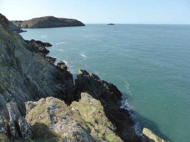 Rocks on the north coast of Torllwyn