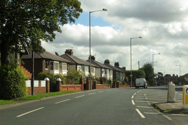 Blackpool Road into Preston