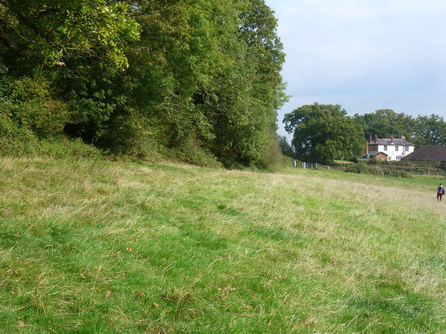 The Greensand Way approaching Hatchlands Farm