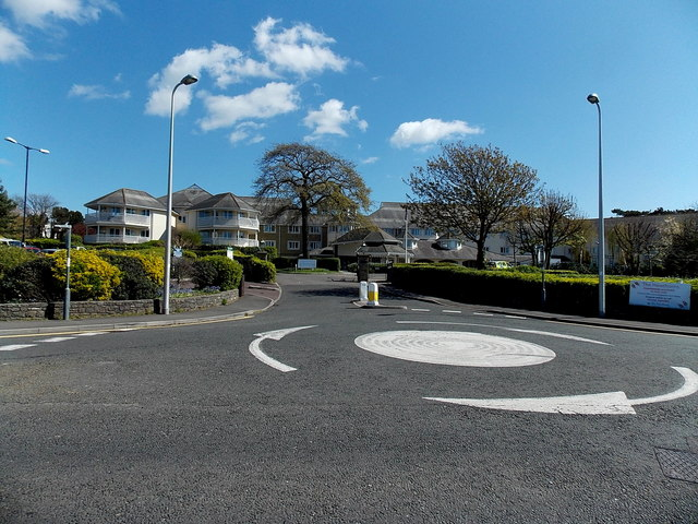 Mini-roundabout in Elton Road, Clevedon