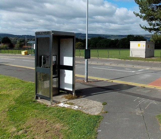 Whittle Drive phonebox and electricity substation, Malpas, Newport
