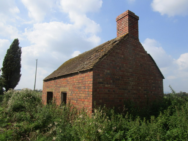 Abandoned building by the River Severn
