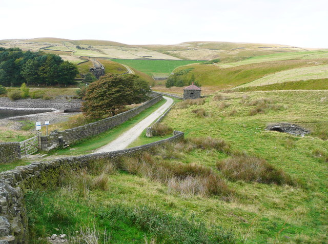 The Pennine Bridleway passing the head of Piethorne Reservoir