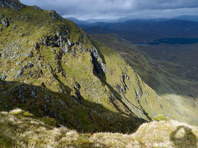 The NE escarpment of Sgurr Breac