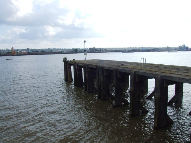 Jetty on the Thames