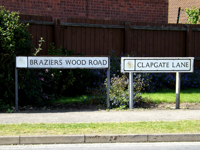 Braziers Wood Road & Clapgate Lane signs