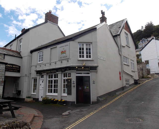 Sinai Hill entrance to The Crown Hotel and Ale House, Lynton