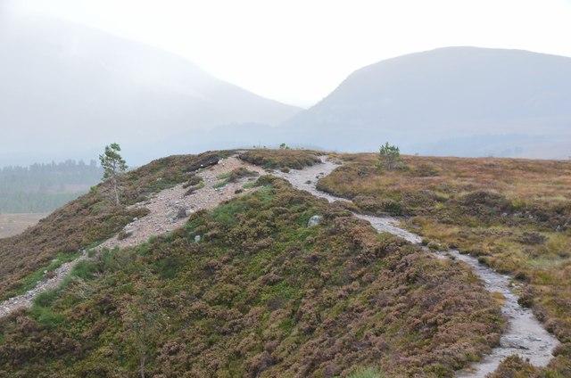 Path to Lochan na Beinne