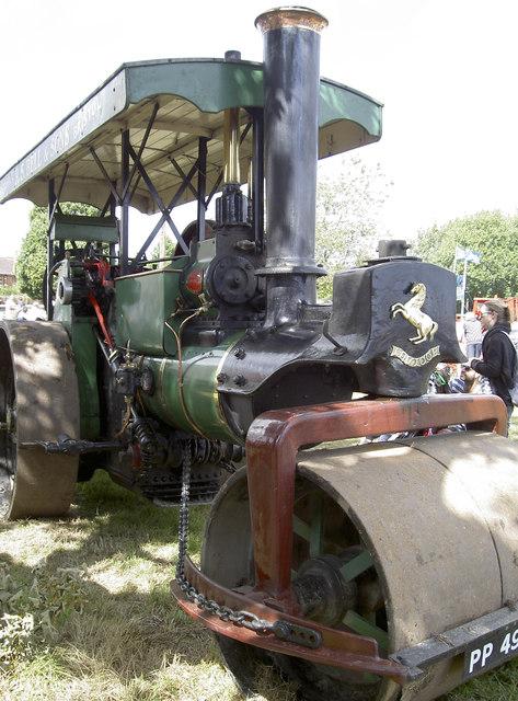 Traction engine display