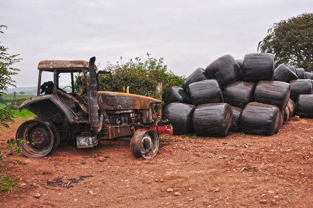 Mid Devon : Tractor & Bales