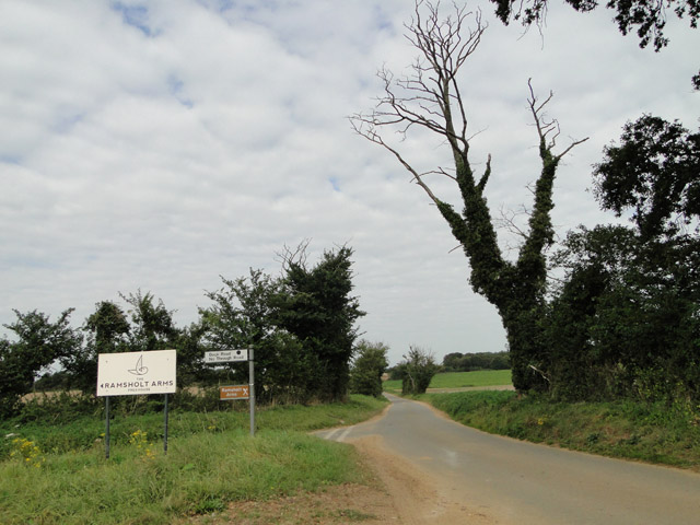 Dead-end road to the Ramsholt Arms