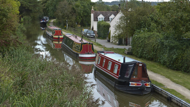 Narrowboats at Tibberton on the Worcester & Birmingham Canal