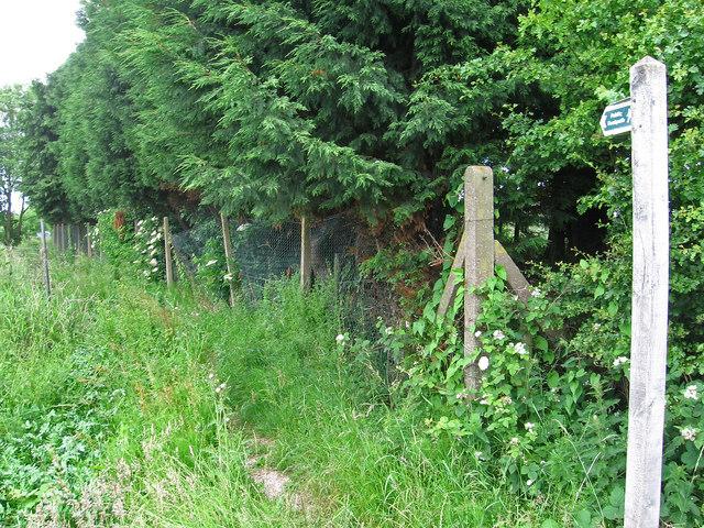 Burscough - entry to footpath west from Warper's Moss Lane