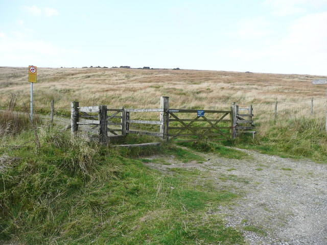 Gate and horse stile on the Rapes Highway