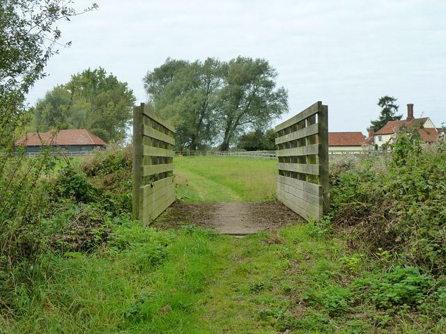 Bridleway bridge near Frayes