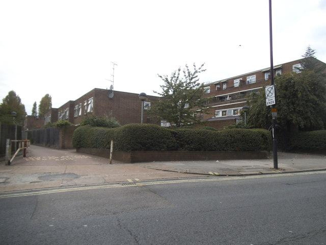 Woodmans Mews on Scrubs Lane
