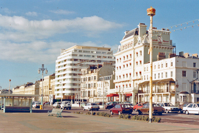 Brighton: seafront (King's Road), 1988