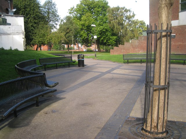 Seats at the entry to an open space between High Street and The Inhedge, Dudley