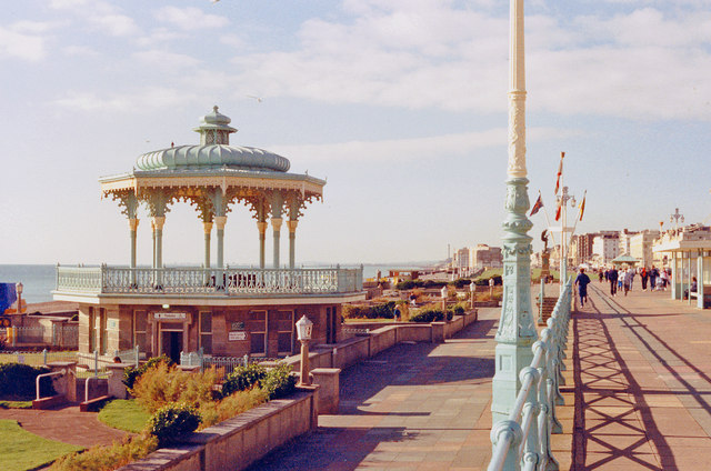 Brighton and Hove: seafront,1988
