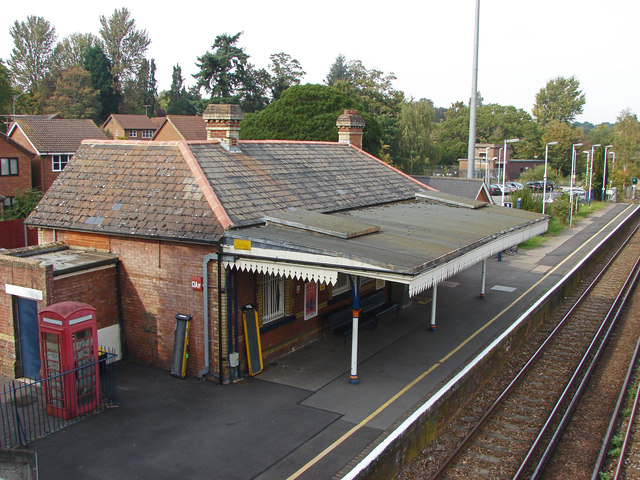 Bagshot station ticket hall