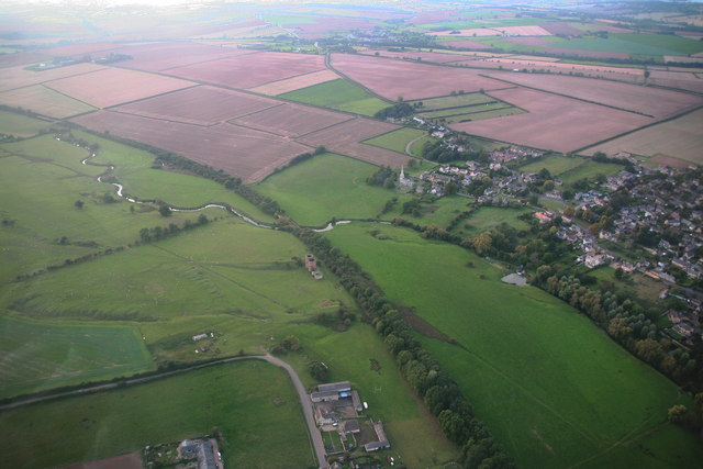 Calcining kilns near Wakerley: River Welland, disused railway and Barrowden village (aerial 2014)
