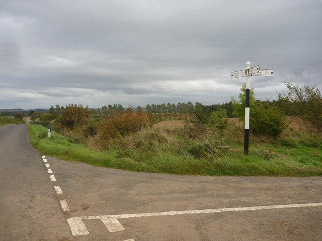 Rural East Lothian : Road Junction West Of Woodhead (Looking East)