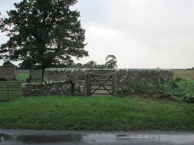 Hutton Buscel  Pinfold  on  Great  Moor  Road