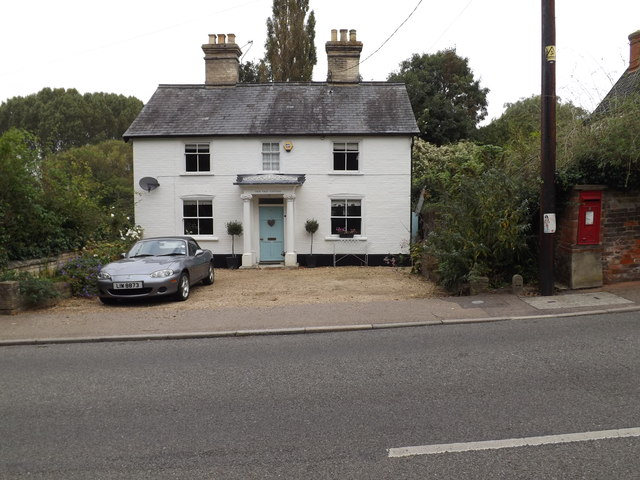 Yew Tree Cottage & Wortwell Road Postbox