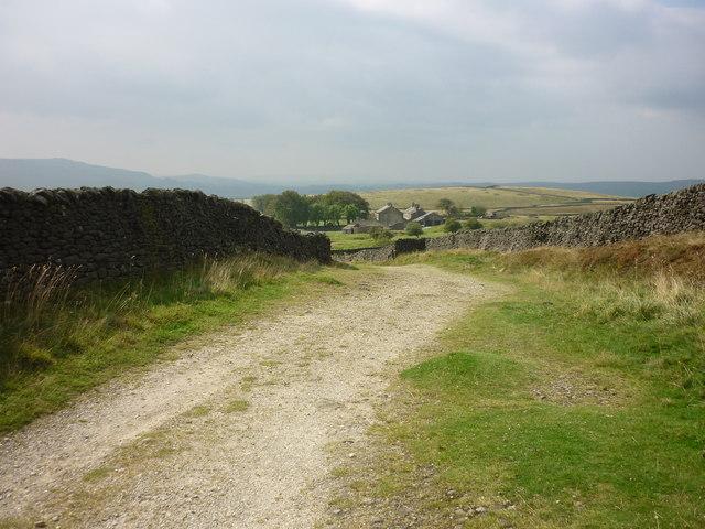 Yarnbury from the grouse moor