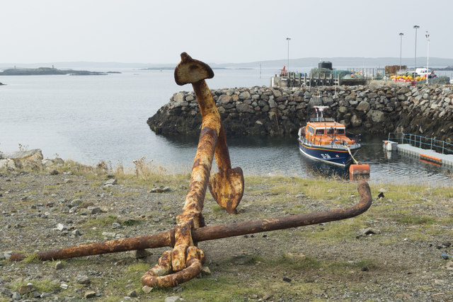 Pier and lifeboat at Leverburgh