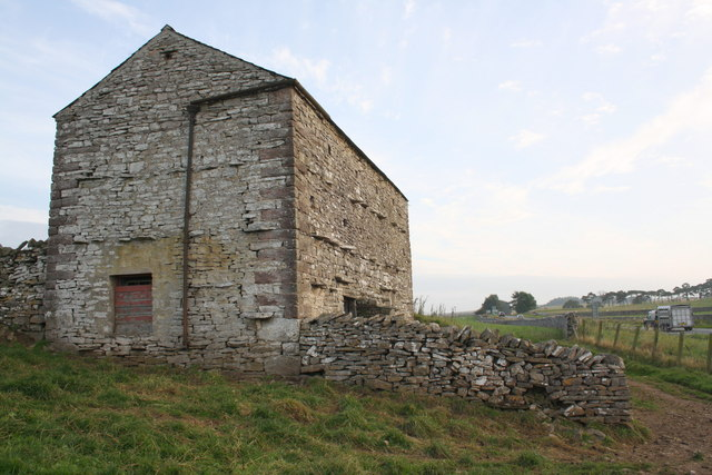 Barn beside A685 below Petty Brow