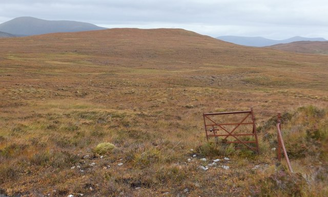 Gate in old fence to south of Cnoc an t-Sìdhein