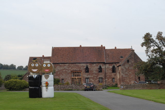 Happy couple at Flanesford Priory