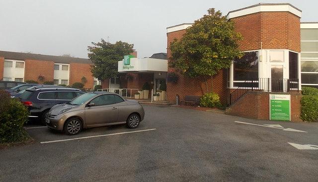 Main entrance to the Holiday Inn Basingstoke