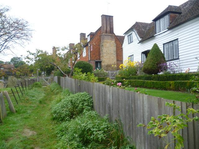 The Tunbridge Wells Circular Walk enters Groombridge