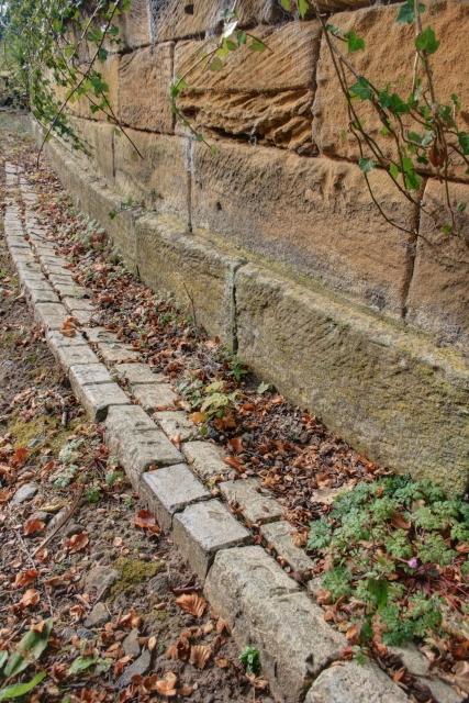 Edging Bricks to the Driveway