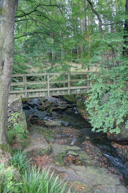 Footbridge over Clough Brook