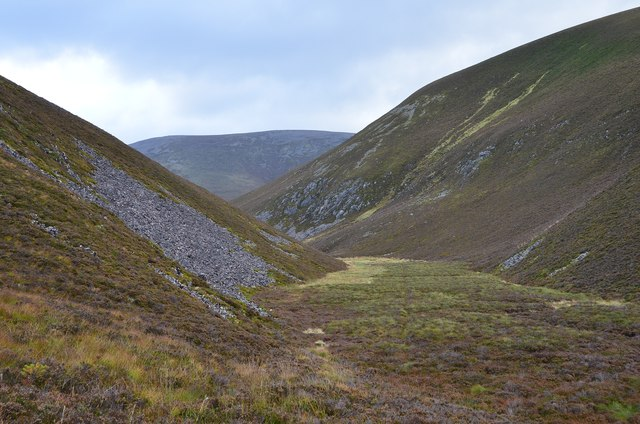 Old meltwater channel, Creag Ghiuthsachan