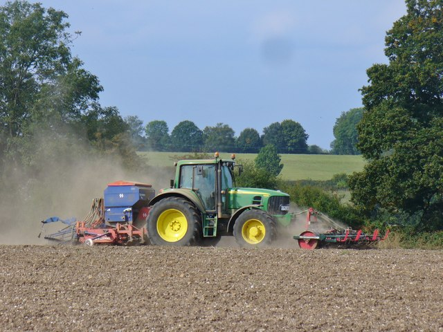 Bedmond - Tractor at Work