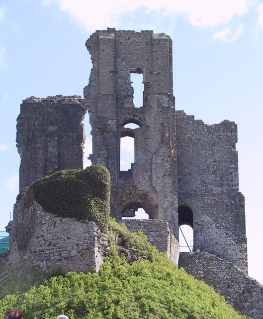 Ruined keep, Corfe Castle