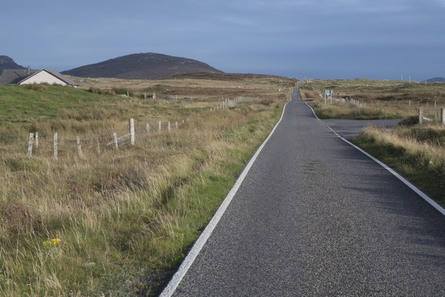 Looking east along the A865 in North Uist