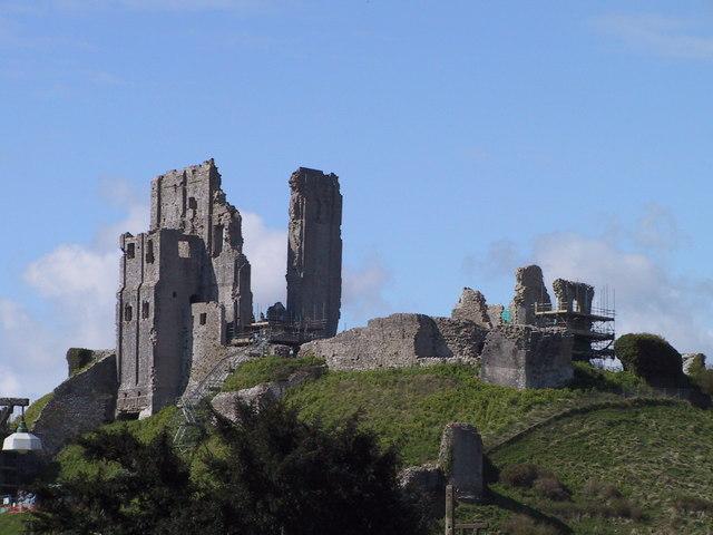 Ruined keep, Corfe Castle