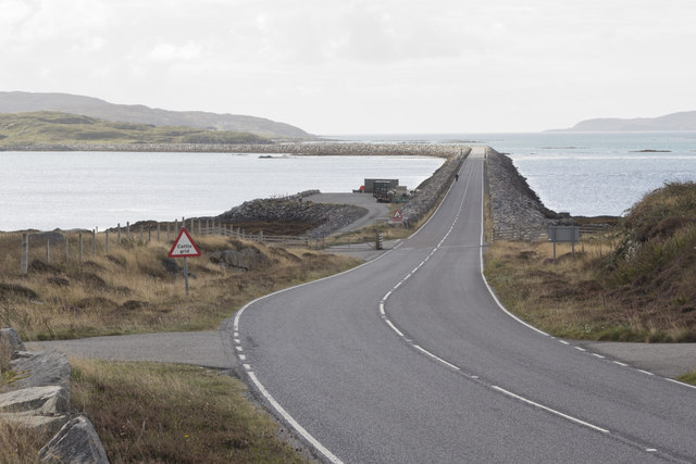 The road approaching the Eriskay Causeway