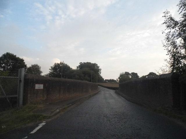 Bridge over the railway on Outwood Lane